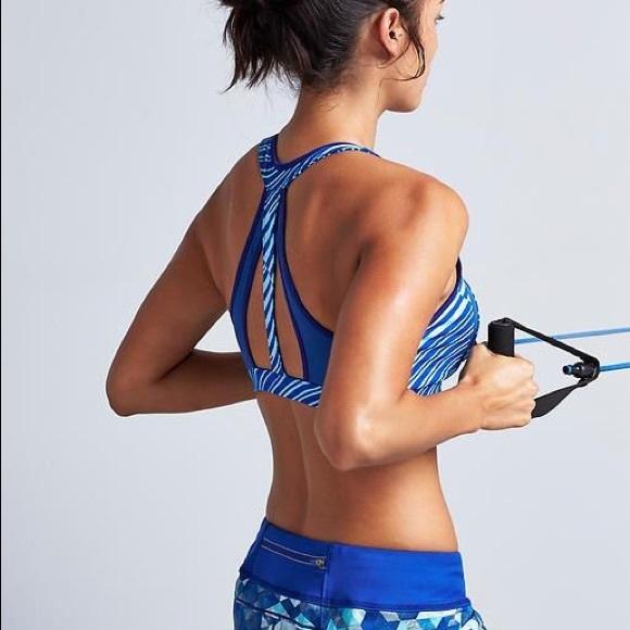 f0454540ea Athleta Other - Athleta stunner sting sport bra